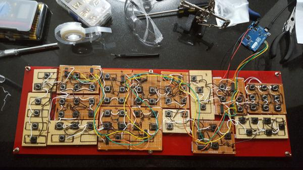 /images/custom_keyboard/keyboard_circuitry.jpg